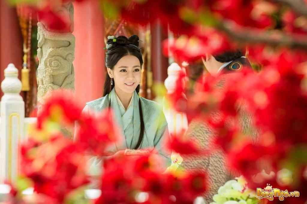 Dự án điện ảnh Lục Phiến Môn đã giúp tên tuổi Địch Lệ Nhiệt Ba ngày càng nổi tiếng hơn